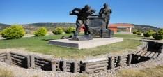 Koca Seyit Köyü Heykeli Mezarı