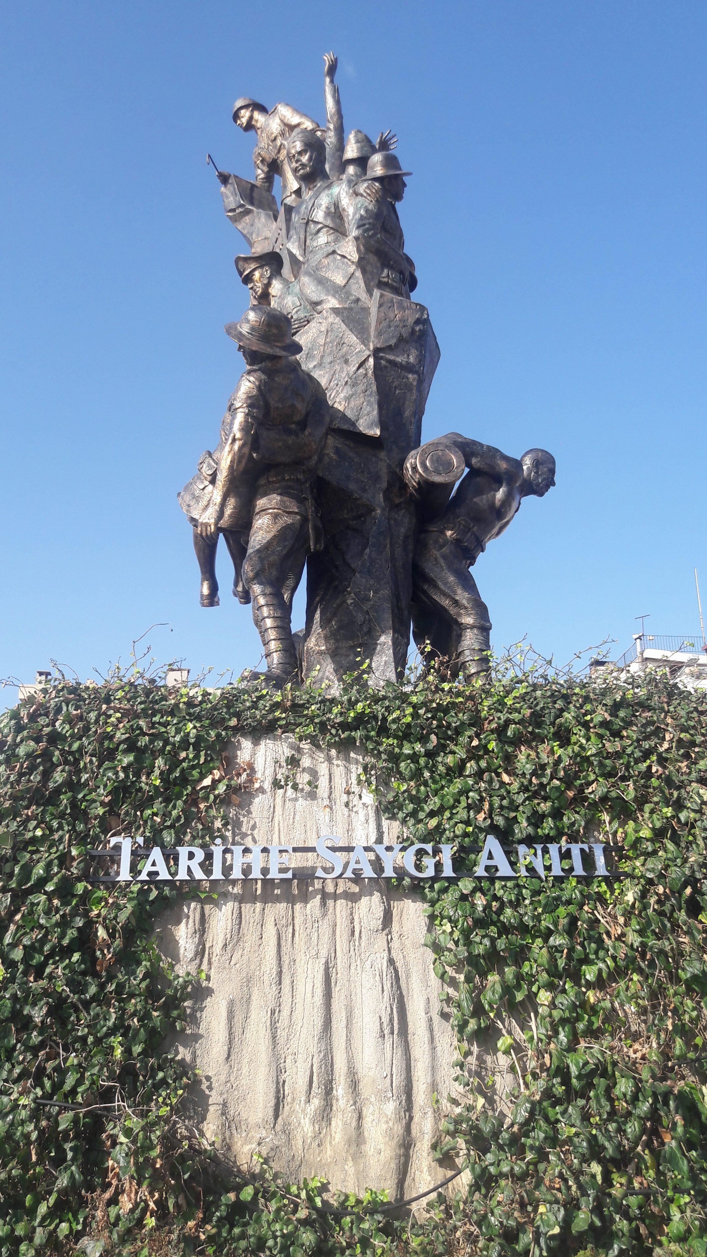 Tarihe Saygı Anıtı